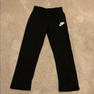 Nike Youth Large Black Sweatpants GREAT CONDITION